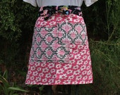 Half apron, Hot Pink daisies, black and pink large pockets, waitress, gardening, teacher apron