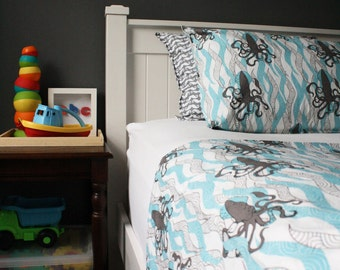 "TWIN Big boy's bedding set- ORGANIC cotton- Pillowcase and Duvet cover- ""Squid"""