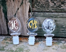 Oval Wine Stopper - PERSONALIZED - Acrylic - BRIDESMAID GIFT