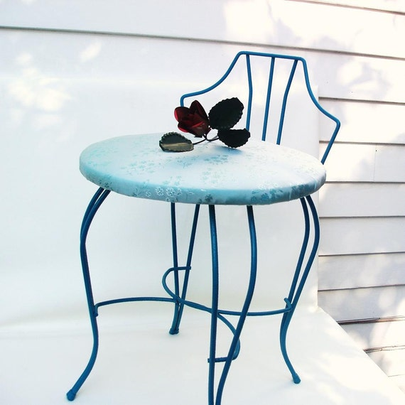 Vintage metal vanity chair painted furniture vanity stool for Makeup chair for bathroom