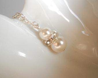 Set of 6 Bridesmaid Gift Neckaces, Ivory flower girl gift pendant, Pearl Bridesmaid Gift , Bridal Jewelry Ivory Wedding Party
