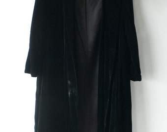 vintage evening coat,black velvet, holiday fashion, ladies from Diz Has Neat Stuff