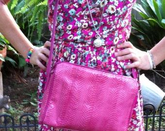 Vintage pink snake skin shoulder bag messenger  cross body