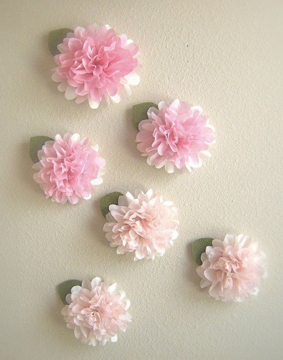 Tissue paper pom pom two toned flower by prettywithsprinkles for Crepe paper wall flowers