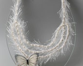 Butterfly fine art bijoux for fairy woodland wedding. White wedding jewelry with butterfly and pearls. Whimsical bridal jewelry with pearls.