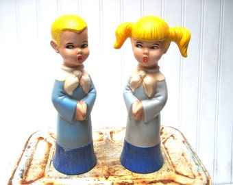 Vintage creepy singing children choir kids brother and sister boy and girl large figurines yellow hair weird