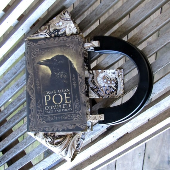 edgar allan poe complete tales and poems with selected essays