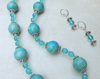 Necklace & Earrings Set - Sea Foam Fabulous