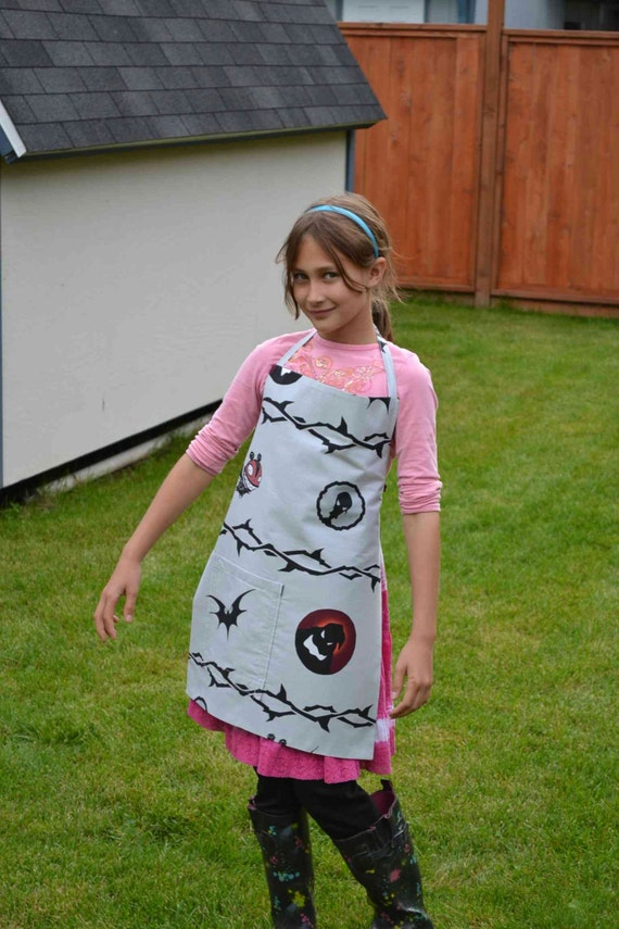Nightmare Before Christmas Apron for Age 6-10 years Halloween bats ...
