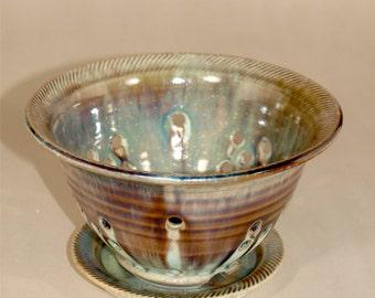 Natural green/brown berry bowl