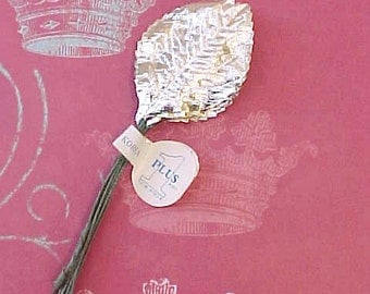 12 Pretty Metallic Silver Vintage Millinery Leaves-Old Store Stock