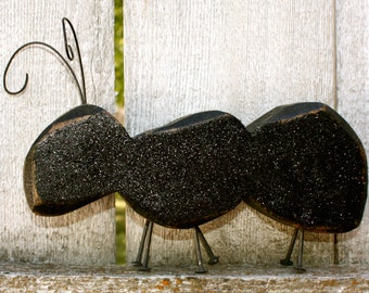 Chunky Wood Carved Ant, Carved Chunky Wood Glitter Black Ant Summer Picnic Decor, Wire & Nail Accent, Chunky Wood Ant Woodcraft
