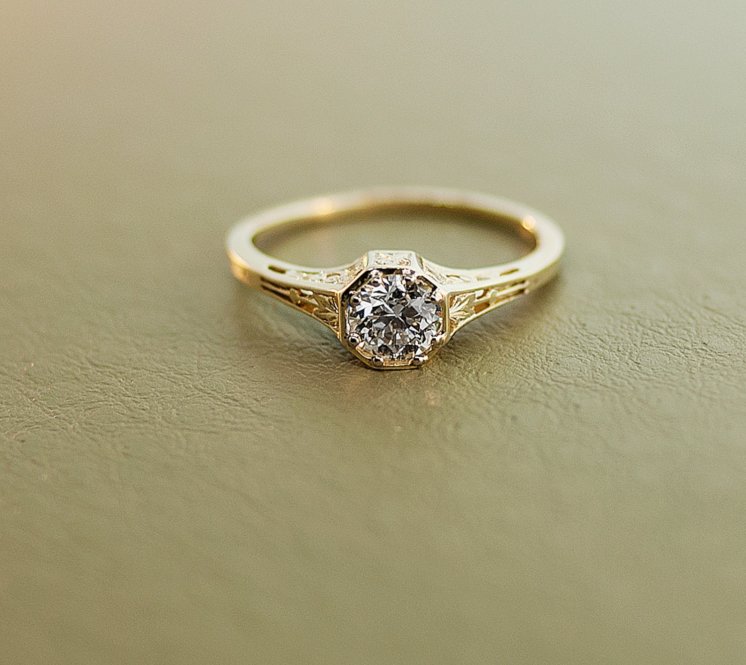 ... Antique Diamond Engagement Ring - 15K Yellow Gold and Diamond. 🔎zoom