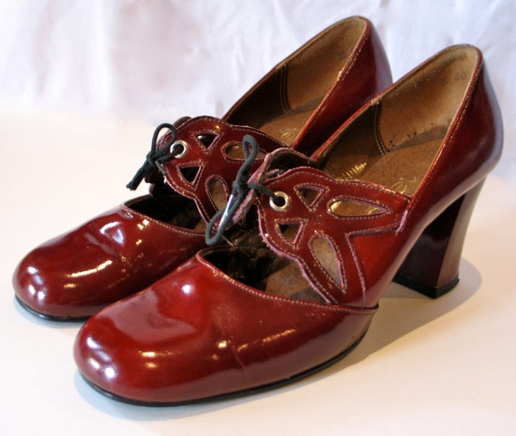Vintage 1960s Cherry Red Mod Leather Shoes
