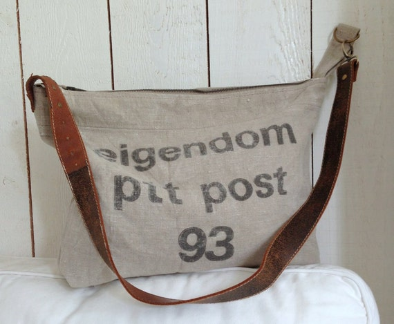 Grote Tas Geblokt : Grote canvas tas gemaakt van een oude ptt postzak