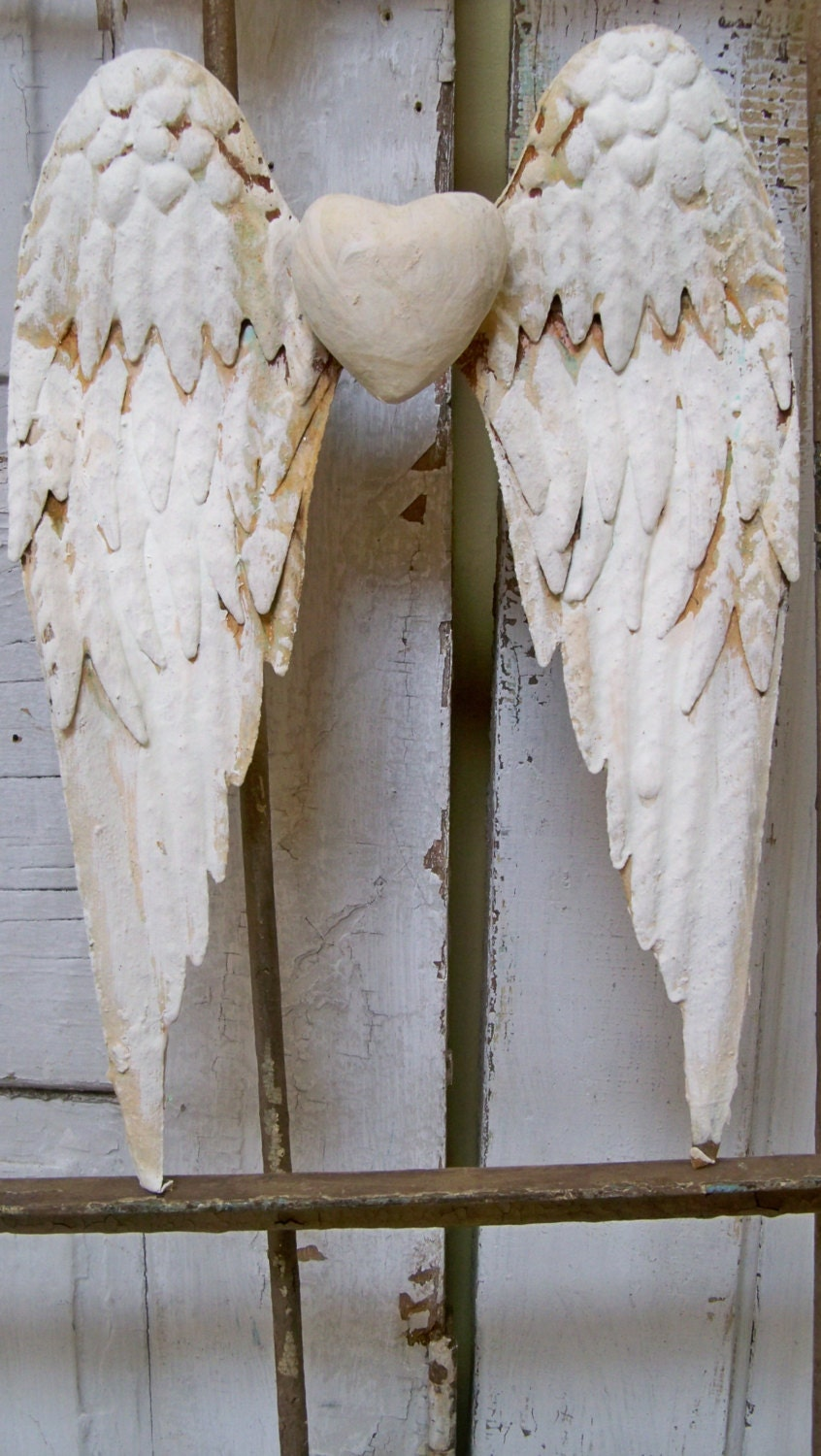 White wings rusty metal with heart shabby chic cottage wall for Angel wall decoration