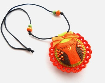 Litttle girls felt Necklace Owl necklace Bright orange necklace PERSONALIZED kids jewelry Personalized gift for kids