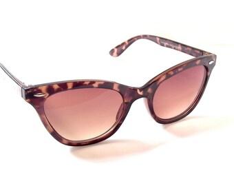 Cat Eye Wayfarer Sunglasses, Cateye Glasses, Deadstock, Retro, Horn Rim, Amber Lenses,