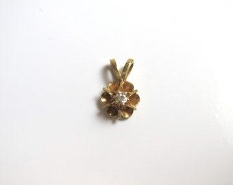 14k Yellow Gold Buttercup Diamond Pendant