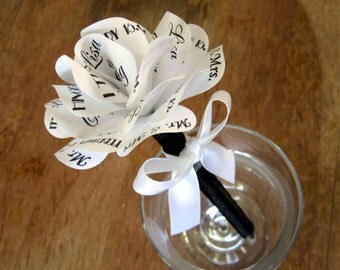 Wedding Pen Black and White Art Deco Personalized Paper Rose Flower  Pen. Customize the Colors and Fonts for any Special Occasion