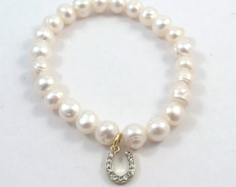 Freshwater Pearl Bracelet with a Clear Crystal Gold Toned Pewter Horseshoe Charm - 327