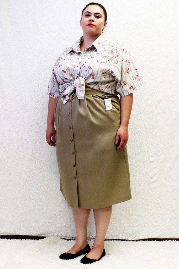 Plus Size Vintage Tan Pleated Button Front Midi Skirt Size