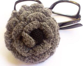 Crochet Brooch, crochet grey flower, crochet jewelry, crochet flower, big brooch, boutique brooch, statement brooch, big brooch