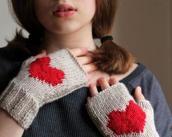 VALENTINES DAYS! Love Gift, Heart gloves, gloves, handmade gloves, fingerless gloves, hat, cuff, scarf, Express Shipping.