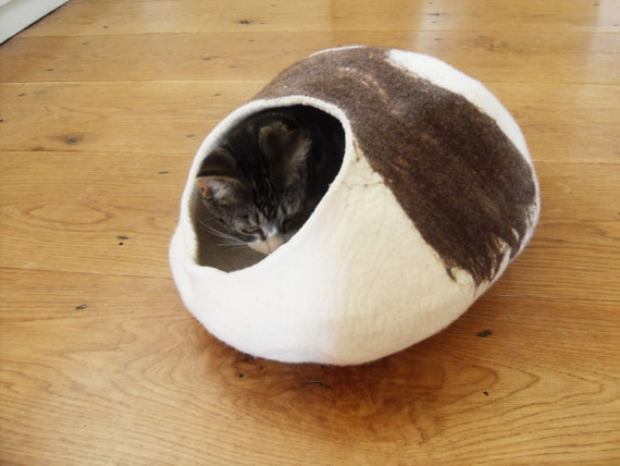 Larger size Cat Bed Hand Felted wool - Free Cat Ball
