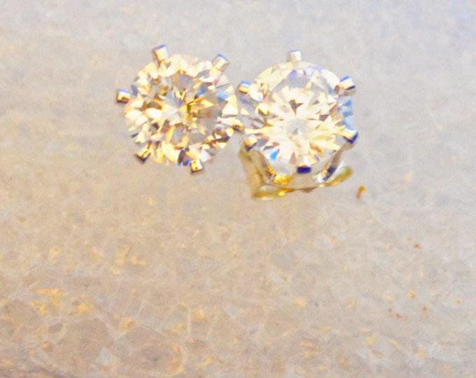 White Diamond Studs, Russian Simulants, 5mm Round, AAAAA, Flawless, E355