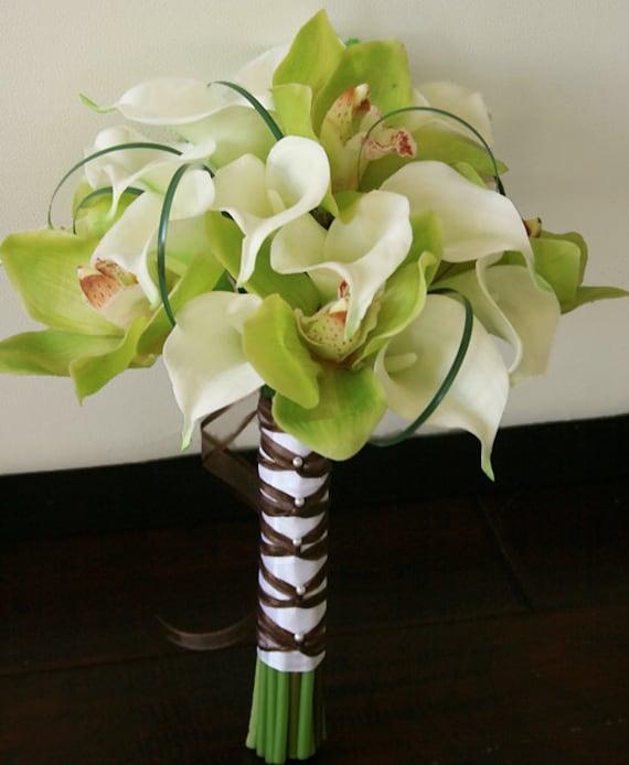 seide brautstrau orchideen und callas aus wei en nat rlichen. Black Bedroom Furniture Sets. Home Design Ideas