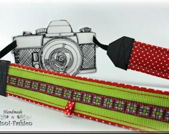 Camera strap, green, camerastrap, red, green