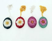Colorful Daisy Pendant Necklace