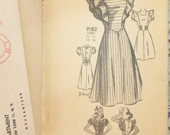 Another Vintage 1940s Mail Order Marian Martin PINAFORE Dress Pattern sz 14  UNUSED