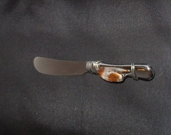 Beaded Cheese Spreader - Brown and White
