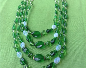 Vintage West Germany Green Glass Bead Necklace (Item 453)