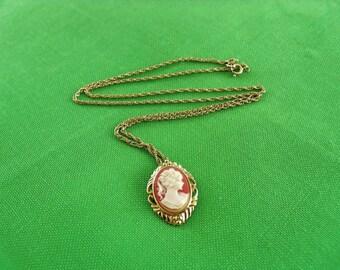 Cameo Pendant Necklace (Item 375)