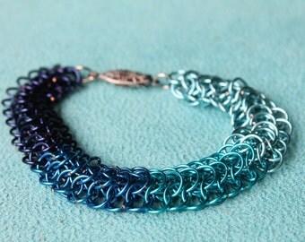 Paintchip: Blue chain maille bracelet