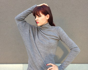 Women Pullover / Grey Asymmetric Sweater Top /  Oversized Casual Blouse / Long Sleeves Top