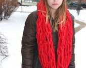 Oversized, chunky knit infinity Scarf - Red