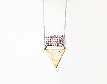 Tria / Minimalist Triangle Necklace