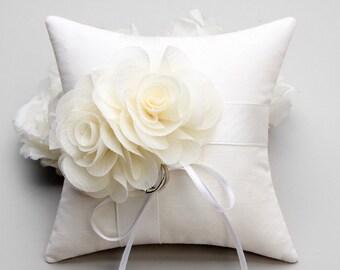 Ivory flower ring pillow, rose ring bearer, ring holder - Serena