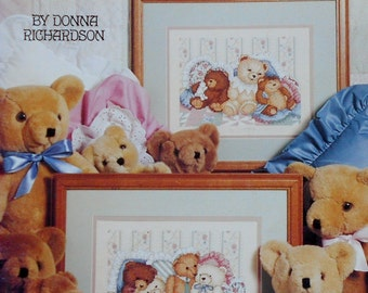 Donna Richardson BEAR HUGS By Leisure Arts - Counted Cross Stitch Pattern Chart