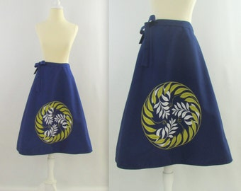 Botanical Medallion Skirt - Vintage 1970s Navy Wrap Skirt - Small by Bagshaws