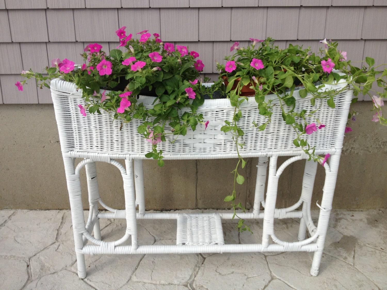 Sale Vintage White Wicker Planter With Galvanized Insert