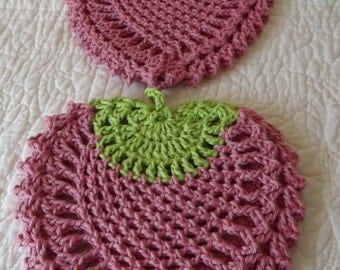 Crocheted Strawberry Potholders - Set of 2 - cotton granny chic - cottage - pink and green