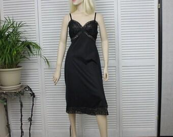 Vintage Van Raalte Full Black Slip Size 36 1960s