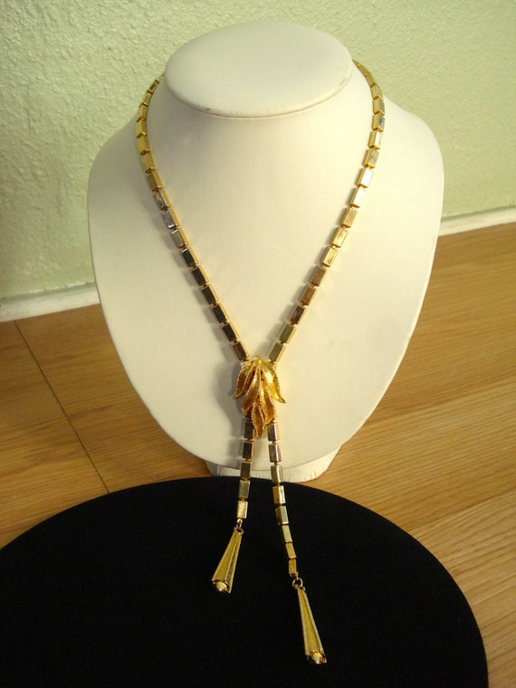 Vintage 1960s Lariat Necklace Flapper Mod Gatsby Girl