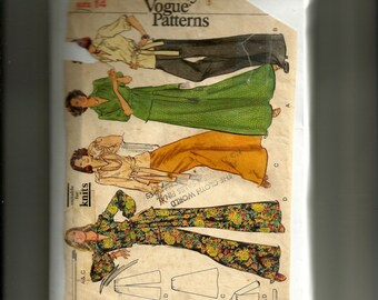 Vintage Vogue Misses' Top, Skirt and Pants Pattern 8776