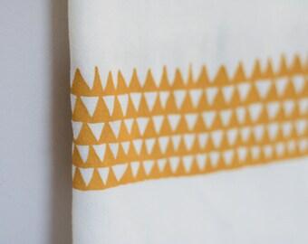 Dijon Triangles cotton towel